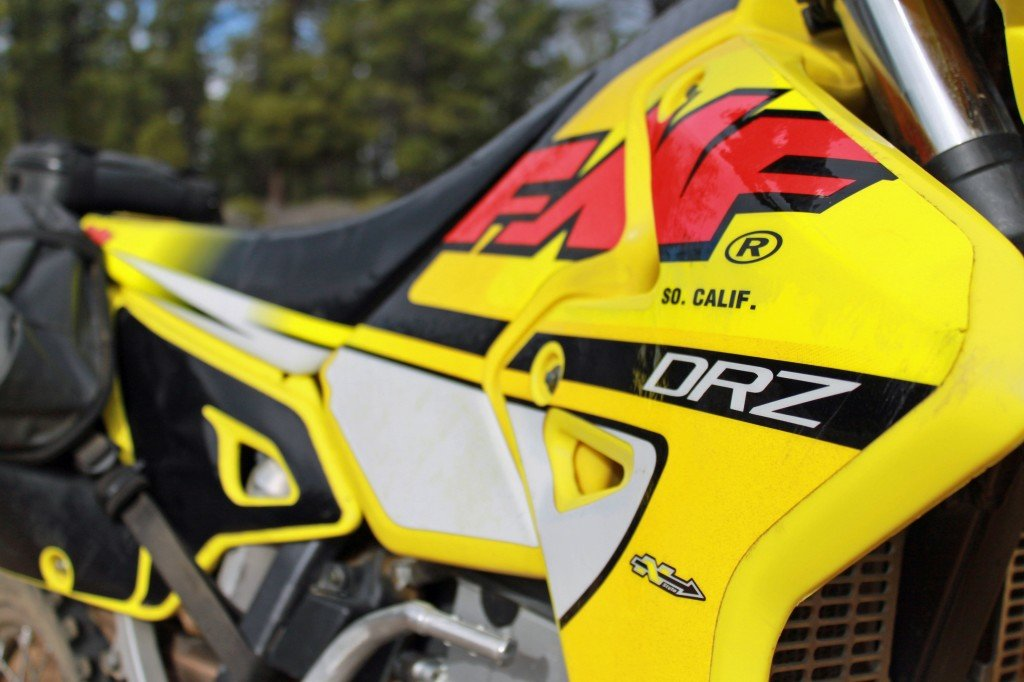 how to apply dual sport motorcycle graphics
